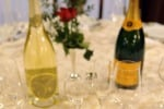 Natale, gli italiani tornano a brindare con lo Champagne