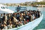 Lampedusa, barcone lancia Sos