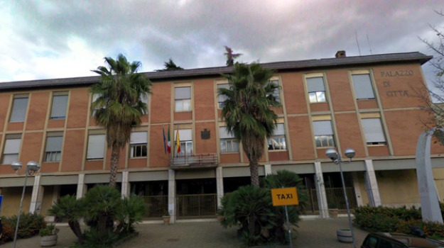 comuni, tasse, Caltanissetta, Economia