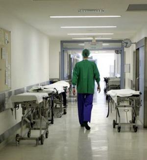 Università, il consiglio dei ministri: stop al numero chiuso in Medicina ma non subito