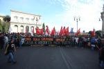 Corteo Roma, NoTav, NoMuos, migranti e antagonisti: scontri e 3 ordigni disinnescati