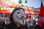 Crisi, sindacati in piazza contro il Governo