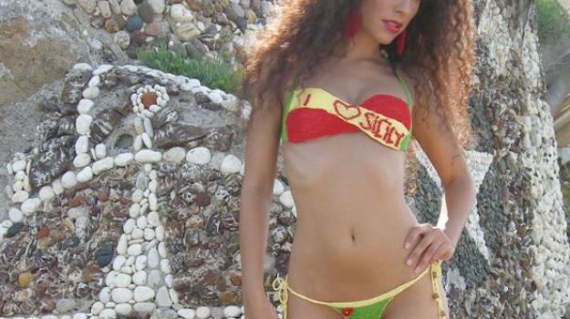 Sognare Costume Da Bagno Rosso : Sexy e audaci i bikini all uncinetto i nuovi modelli ispirati alla