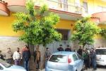 Tragedia ad Afragola, donna uccide il figlio disabile: lo ha sgozzato con un coltello