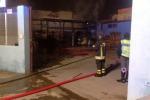 Vittoria, incendiato magazzino di ortofrutta