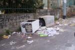Palermo, contenitore in eternit vicino alla scuola