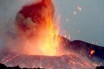 L'Etna ricomincia a farsi sentire, attività stromboliana dal nuovo cratere