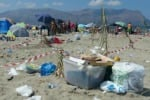 Augusta, scatta l'allarme di bagnanti indignati: Faro Santa Croce immerso nei rifiuti