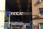 Palermo, fiamme e paura ai Cantieri navali