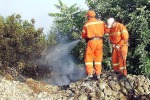 Operai forestali senza stipendio occupano uffici dell'Azienda