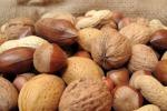Tavole piene di frutta secca Consumi in aumento in Sicilia