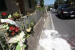 Lacrime per Izdihar: commozione ai funerali della ventiduenne siriana morta su un barcone