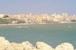 Gela, il dragaggio del porto provoca disagi Bagnanti infuriati per il mare sporco
