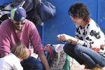 Giorgia, domenica a Fregene insieme al piccolo Samuel