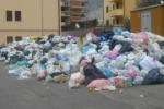 Rifiuti, la raccolta a ostacoli: ancora disagi a San Cataldo