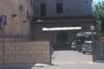 Donna morta in albergo a Palermo, il gip non convalida il fermo della madre