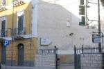 Donna trovata morta in albergo a Palermo: il vizio del gioco, lo sfratto, la depressione