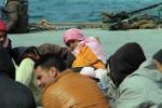 Nave della Marina per i migranti di Lampedusa
