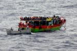 Altra tragedia nel Canale di Sicilia, una trentina di cadaveri su un peschereccio