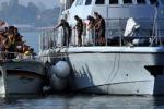 Lampedusa, emergenza immigrazione: operazioni di soccorso