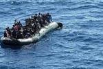 Immigrazione: soccorso un gommone, due morti