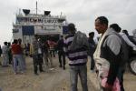 Lampedusa torna a svuotarsi