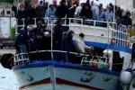 Lampedusa, sbarchi nella notte