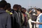 Oltre trecento immigrati fuggiti dal centro di Pozzallo