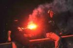 Guerriglia sugli spalti, sospesa Italia-Serbia