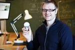 Accendere la luce col cellulare: l'illuminazione wi-fi è realtà