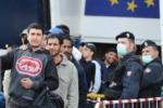 Immigrazione, Palermo: nuovo sit-in davanti al porto