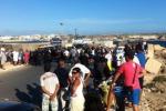 Lampedusa, scontri tra immigrati e polizia