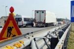 Lavori e disagi lungo l'autostrada per Gela