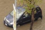 Maltempo, terra e acqua «inghiottono» le strade di Enna