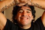 Maradona morso in volto da un cane: operato d'urgenza