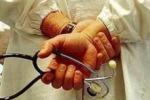 Barcellona, medici in rivolta contro i tagli all'ospedale