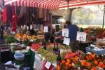 Mercato settimanale tra caos e crisi: calano gli ambulanti