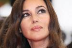 """Monica Bellucci, nuova vita a Parigi: """"In Italia manca la fiducia sul talento che abbiamo"""""""