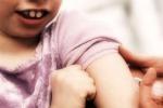 Cala il numero dei bimbi vaccinati e il morbillo torna a fare paura