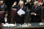 """""""L'elezione mette a seria prova le mie forze"""" Un Napolitano commosso presta giuramento"""
