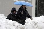 Gelo e neve spazzano l'Italia Altri 7 morti, allarme gas