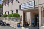 Palermo, incendio in un'abitazione allo Zen: adolescente intossicata