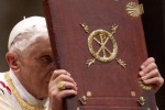 Il Papa: basta violenza, italiani lavorino per bene comune