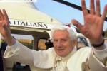 Il Papa lascia San Pietro: la sede è vacante