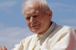 Sì dei teologi al secondo miracolo Papa Wojtyla santo già a ottobre