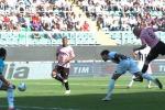 I rosanero vincono anche in 10: 2 a 0 al Siena