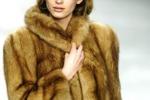 Coprirsi tra eleganza e confort Il trionfo di pellicce e piumini