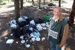 La Favorita piena di rifiuti, ma non si sa chi dovrà pulire