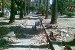 Palermo, la villa di piazza Lolli nel degrado