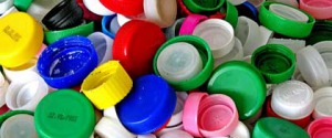 Tassa sulla plastica, dai tappi alle bottiglie: i prodotti più colpiti
